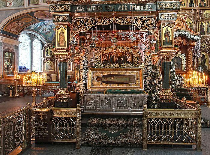 Relikwie świętego Serafima Sarowskiego w monasterze Diwiejewo